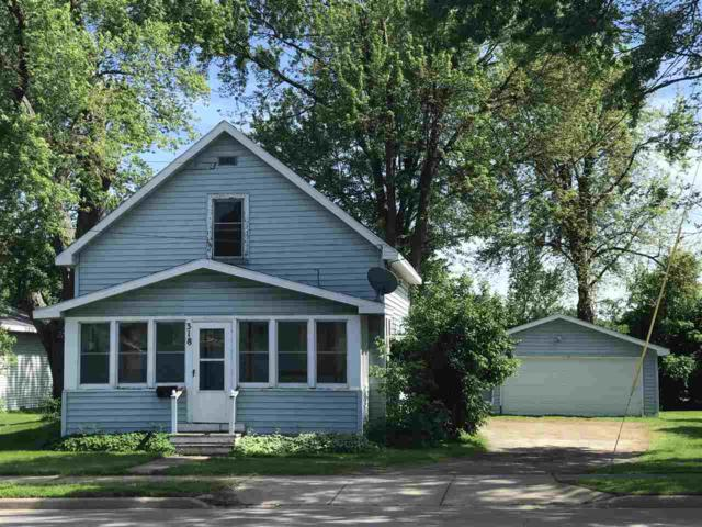 318 W Winneconne Avenue, Neenah, WI 54956 (#50207428) :: Dallaire Realty