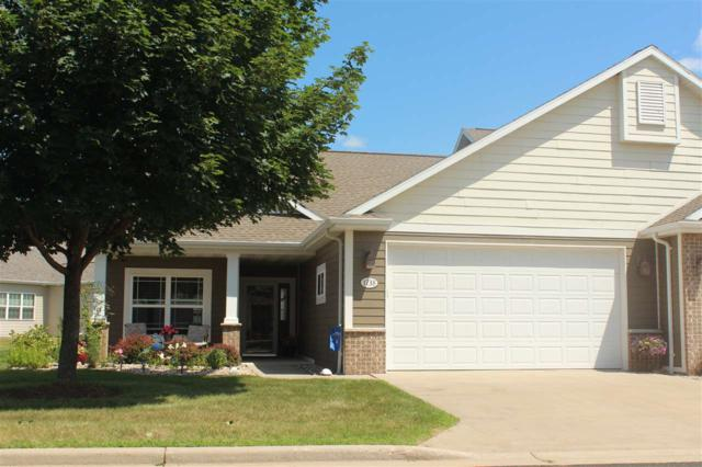 1738 Oak Hollow Lane, Neenah, WI 54956 (#50207479) :: Dallaire Realty