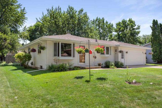 2414 S Schaefer Street, Appleton, WI 54915 (#50207506) :: Dallaire Realty