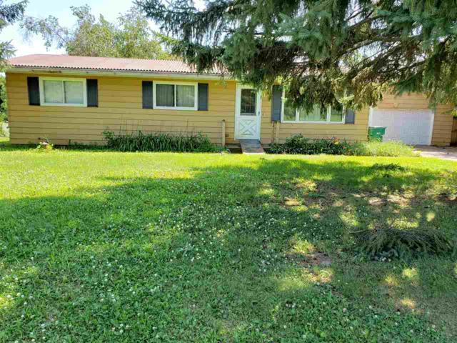 E2383 Julie Lane, Waupaca, WI 54981 (#50207525) :: Symes Realty, LLC