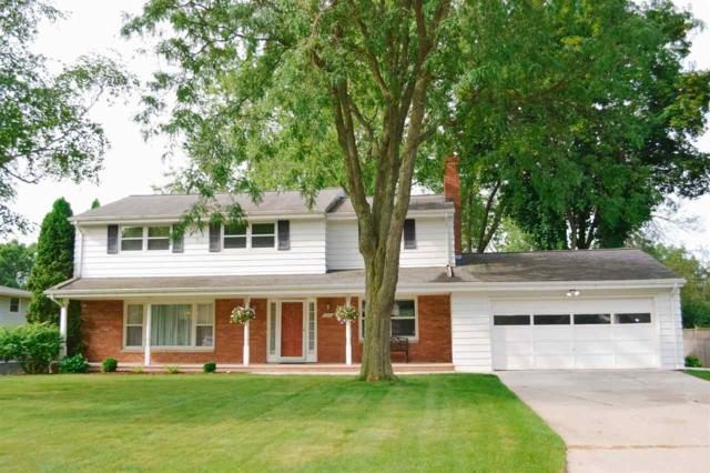 320 Tower View Drive, Green Bay, WI 54301 (#50207631) :: Todd Wiese Homeselling System, Inc.