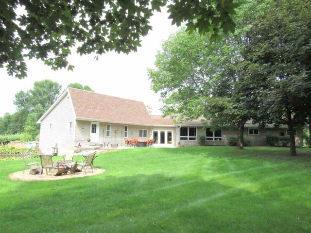 N6494 Lakeshore Drive, Hilbert, WI 54129 (#50207806) :: Dallaire Realty