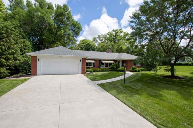 120 St Francis Drive, Green Bay, WI 54301 (#50207918) :: Todd Wiese Homeselling System, Inc.