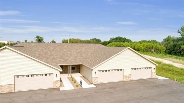 2135 Royal Crest Circle #1, Green Bay, WI 54311 (#50207946) :: Dallaire Realty