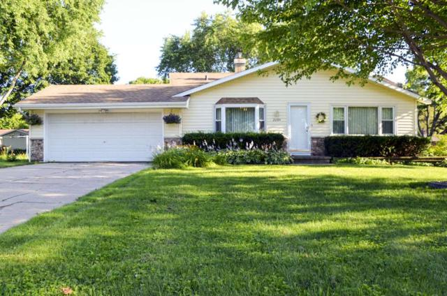 2284 Brick Drive, Green Bay, WI 54303 (#50208108) :: Todd Wiese Homeselling System, Inc.