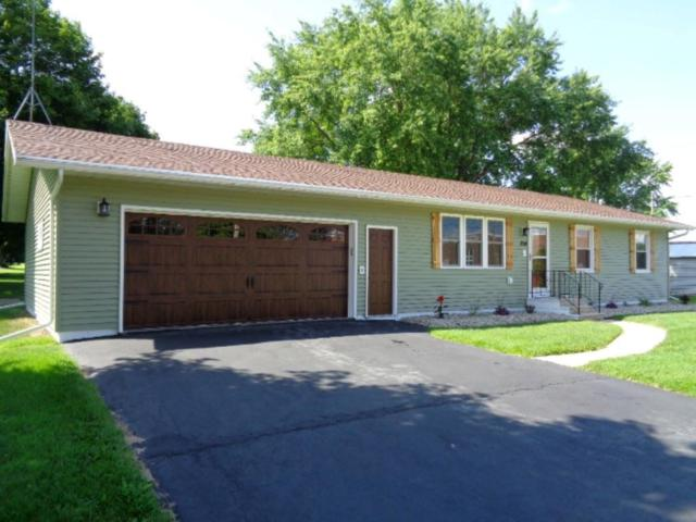 204 W 4TH Street, Gillett, WI 54124 (#50208218) :: Dallaire Realty