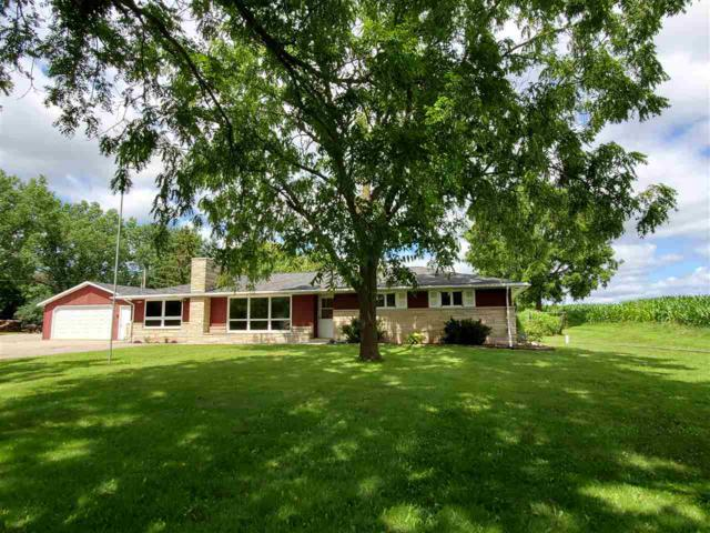 10784 Hwy 22, Gillett, WI 54124 (#50208422) :: Dallaire Realty