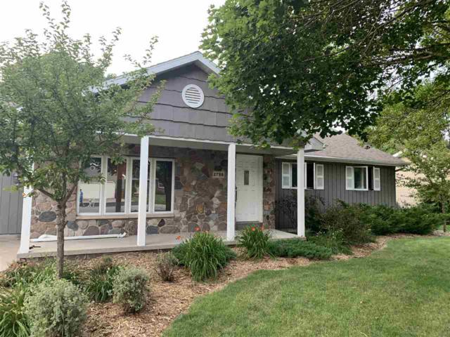W2788 Breezewood Drive, Appleton, WI 54915 (#50208720) :: Todd Wiese Homeselling System, Inc.