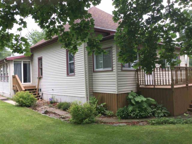 512 Laing Street, Redgranite, WI 54970 (#50208808) :: Dallaire Realty