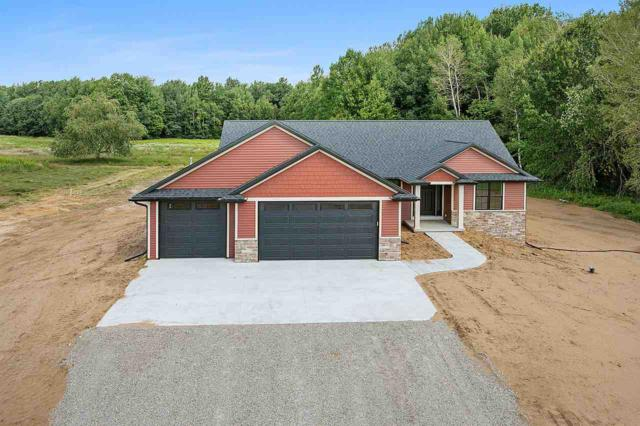 607 Diversity Drive, De Pere, WI 54115 (#50208866) :: Todd Wiese Homeselling System, Inc.
