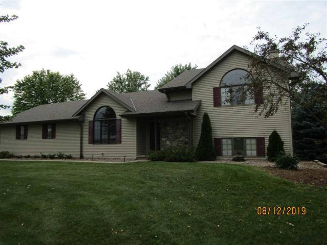 2840 Lawrence Drive, De Pere, WI 54115 (#50208891) :: Todd Wiese Homeselling System, Inc.