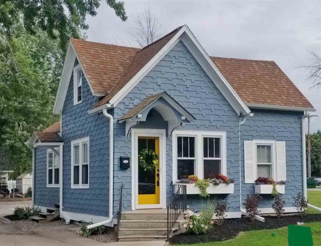 109 S Van Buren Street, Green Bay, WI 54301 (#50208930) :: Symes Realty, LLC