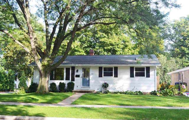 636 N Michigan Street, De Pere, WI 54115 (#50210774) :: Todd Wiese Homeselling System, Inc.