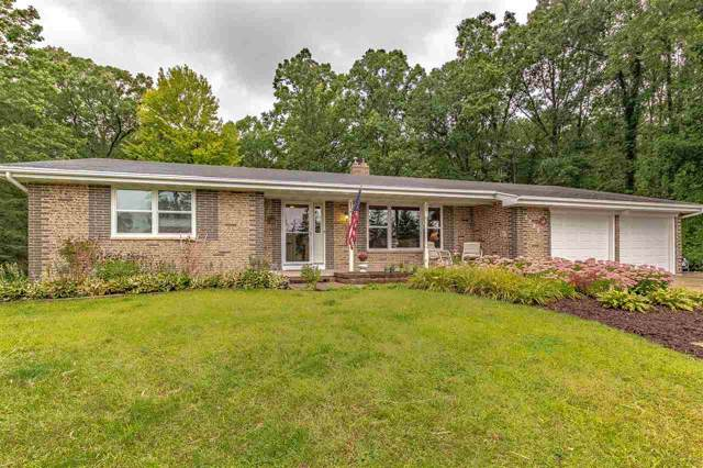 2383 Lakeview Drive, Suamico, WI 54313 (#50210845) :: Dallaire Realty