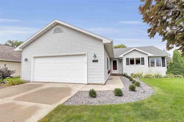 1224 Bluegrass Lane, Menasha, WI 54952 (#50210878) :: Todd Wiese Homeselling System, Inc.