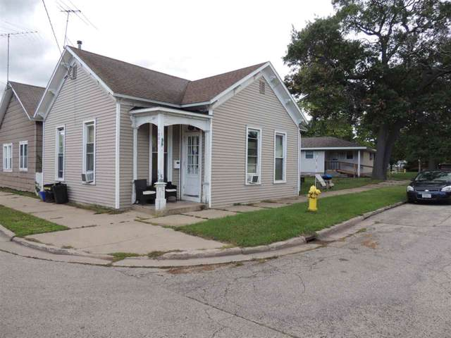 1001 Cook Street, Marinette, WI 54143 (#50210941) :: Todd Wiese Homeselling System, Inc.