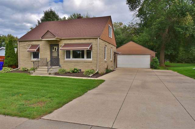 1830 S Kernan Avenue, Appleton, WI 54914 (#50210952) :: Dallaire Realty