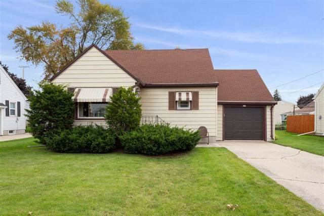 137 N Lincoln Street, Kimberly, WI 54136 (#50211008) :: Todd Wiese Homeselling System, Inc.