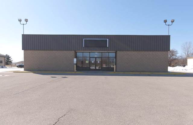 1435 Cleveland Avenue, Marinette, WI 54143 (#50211009) :: Todd Wiese Homeselling System, Inc.