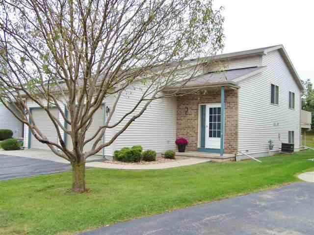 3386 Isaac Lane, Oshkosh, WI 54902 (#50211021) :: Todd Wiese Homeselling System, Inc.