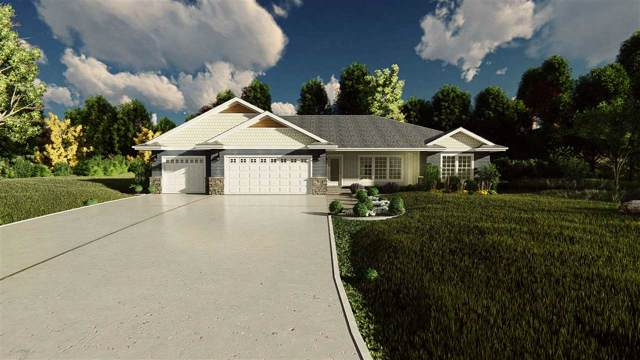 205 Tatonka Drive, Kewaunee, WI 54216 (#50211040) :: Dallaire Realty
