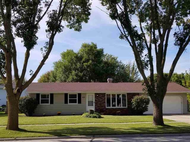 852 Lone Oak Road, De Pere, WI 54115 (#50211058) :: Todd Wiese Homeselling System, Inc.