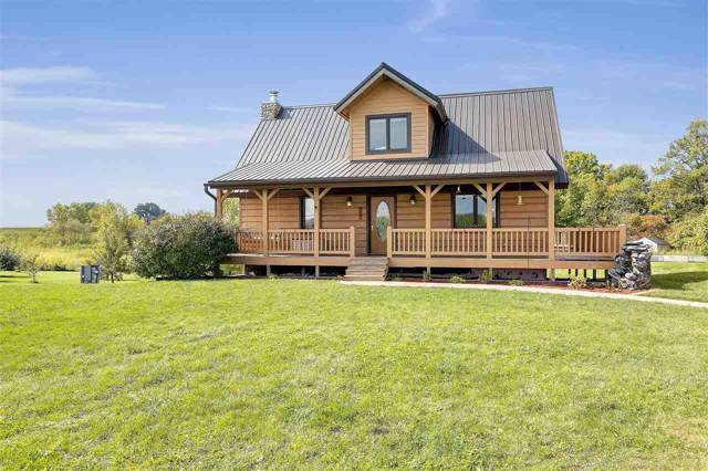 W2602 Center Road, HARTLAND, WI 54107 (#50211132) :: Todd Wiese Homeselling System, Inc.