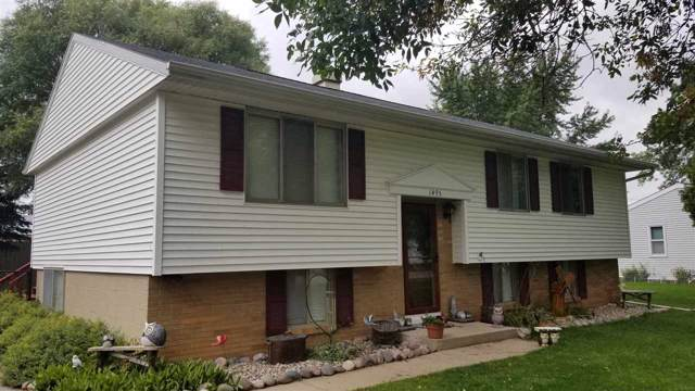 1495 Deerwood Drive, Neenah, WI 54956 (#50211146) :: Dallaire Realty
