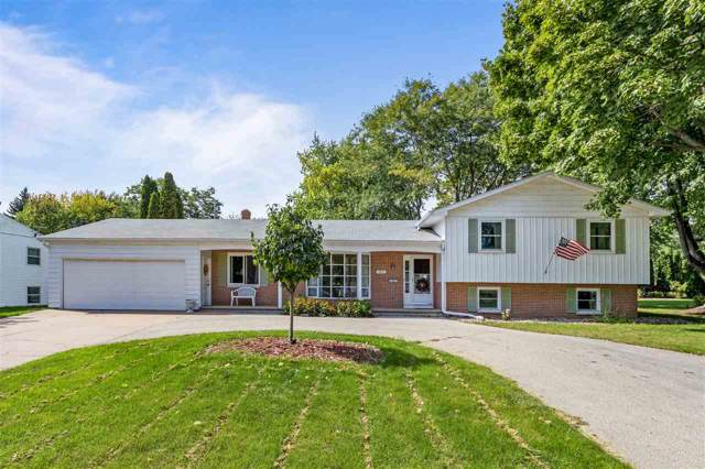 1021 Eden Drive, Neenah, WI 54956 (#50211304) :: Todd Wiese Homeselling System, Inc.