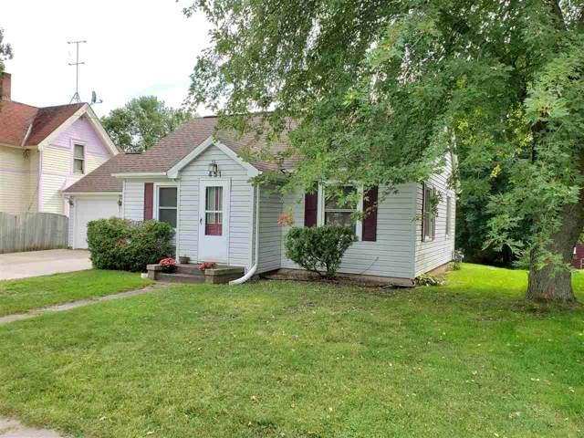 451 Granite Street, Waupaca, WI 54981 (#50211325) :: Todd Wiese Homeselling System, Inc.