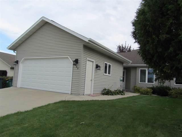 449 Austin Lane #1, Fond Du Lac, WI 54935 (#50211784) :: Todd Wiese Homeselling System, Inc.