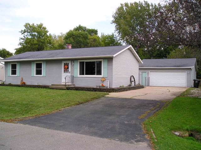 520 Mckinley Avenue, Omro, WI 54963 (#50211923) :: Dallaire Realty