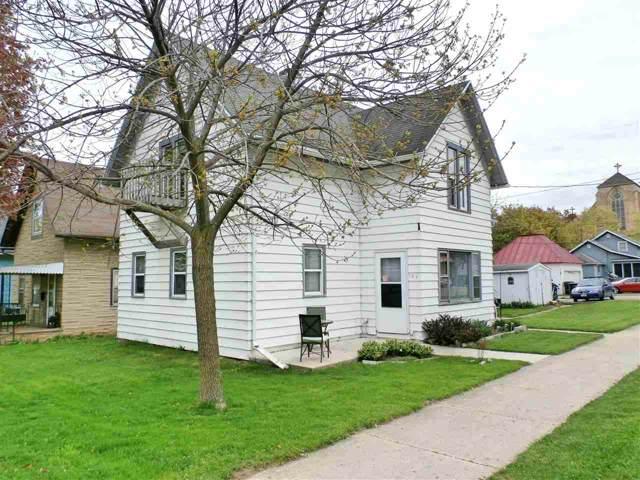 127 W 6TH Street, Kaukauna, WI 54130 (#50212028) :: Todd Wiese Homeselling System, Inc.
