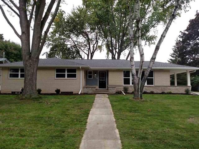 1016 Riverside Drive, Kaukauna, WI 54130 (#50212123) :: Todd Wiese Homeselling System, Inc.