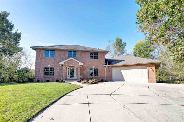 1940 Renaissance Court, Green Bay, WI 54313 (#50212152) :: Todd Wiese Homeselling System, Inc.