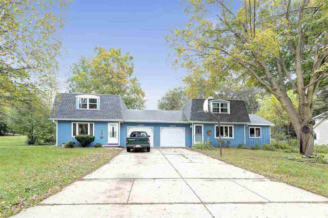 1905 Strawberry Lane, Green Bay, WI 54304 (#50212237) :: Todd Wiese Homeselling System, Inc.