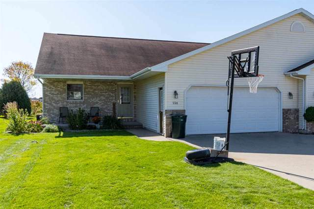 134 Green Way Drive, Combined Locks, WI 54113 (#50212375) :: Dallaire Realty