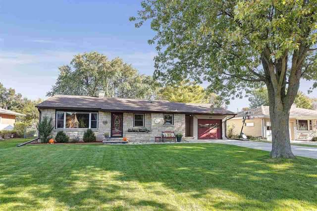 650 Lida Lane, Green Bay, WI 54304 (#50212437) :: Todd Wiese Homeselling System, Inc.