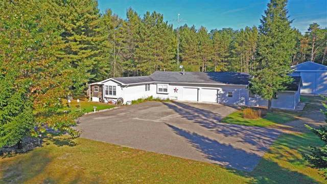 N1841 William Drive, Waupaca, WI 54981 (#50212487) :: Dallaire Realty