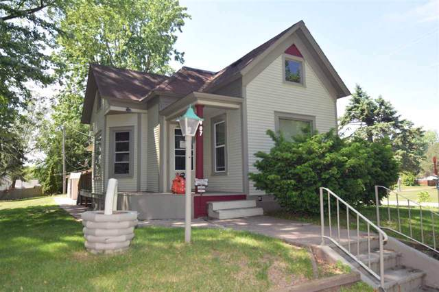 907 S Bartlett Street, Shawano, WI 54166 (#50212539) :: Todd Wiese Homeselling System, Inc.