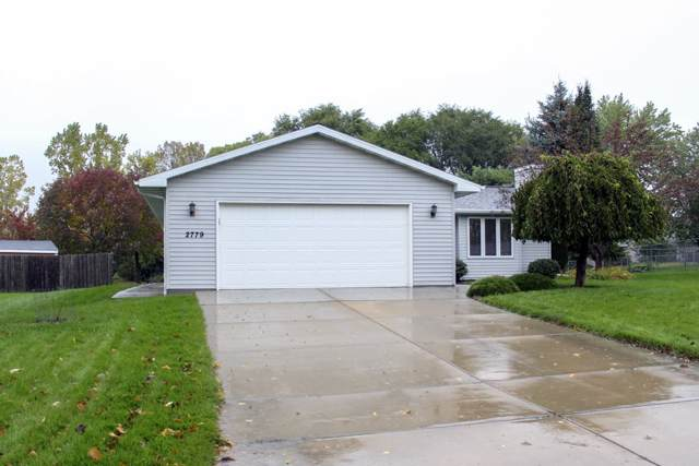 2779 Continental Drive, Green Bay, WI 54311 (#50212560) :: Symes Realty, LLC