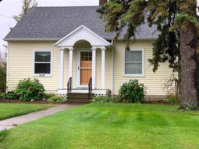 2445 Glendale Avenue, Green Bay, WI 54313 (#50212570) :: Todd Wiese Homeselling System, Inc.