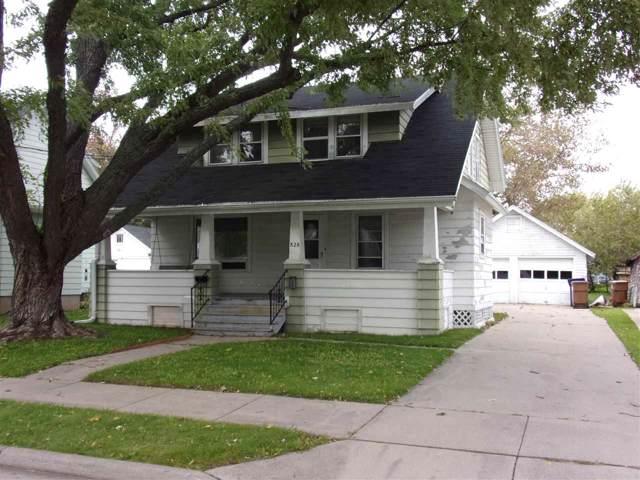 828 7TH Street, Menasha, WI 54952 (#50212602) :: Symes Realty, LLC