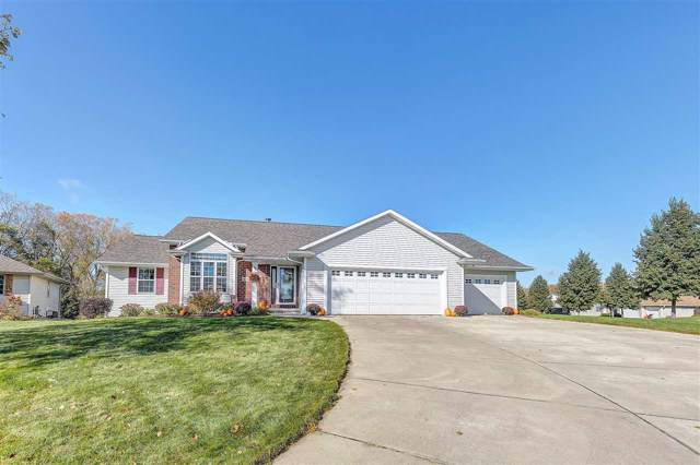 1673 Blackjack Way, Green Bay, WI 54313 (#50212661) :: Todd Wiese Homeselling System, Inc.