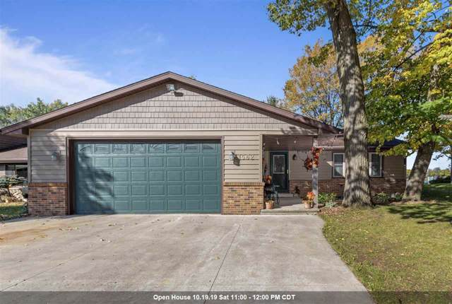 1562 Lakeshore Drive, Menasha, WI 54952 (#50212670) :: Todd Wiese Homeselling System, Inc.