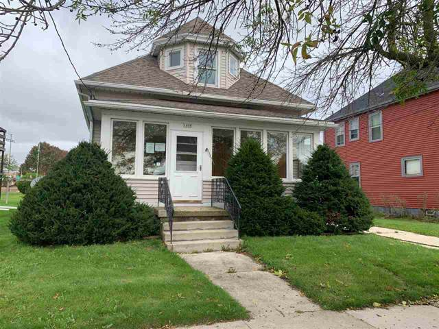 1608 Clark Street, Manitowoc, WI 54220 (#50212819) :: Todd Wiese Homeselling System, Inc.
