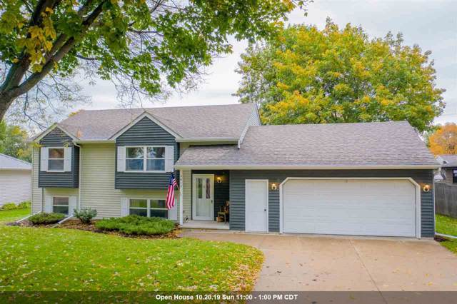 2612 S Gladys Avenue, Appleton, WI 54915 (#50212884) :: Todd Wiese Homeselling System, Inc.