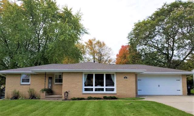 937 La Croix Avenue, Green Bay, WI 54304 (#50212899) :: Todd Wiese Homeselling System, Inc.
