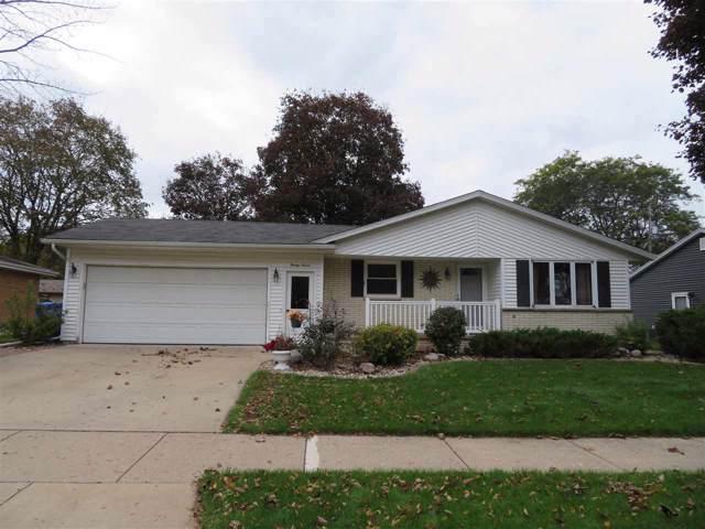 27 N Linden Lane, Appleton, WI 54915 (#50212905) :: Todd Wiese Homeselling System, Inc.