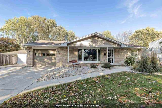 807 Bomier Street, De Pere, WI 54115 (#50212909) :: Todd Wiese Homeselling System, Inc.